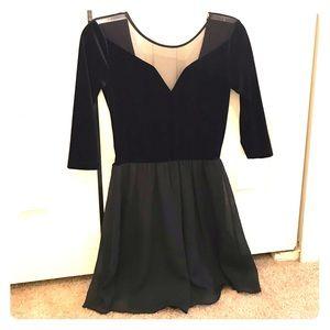 Half sleeve velvet dress